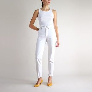 Vintage Levi's White High Waisted Mom Jeans